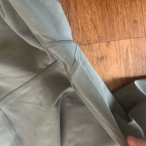 "lululemon athletica Pants - Lulu Lemon 23"" leggings"